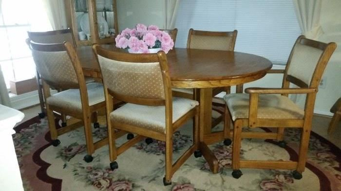 Dining Table w/2 Arm Chairs &  4 Side Chairs