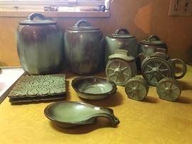 Large Frankoma china set (many items not pictured)