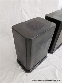 Patinated bronze rectilinear pedestal.