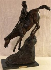 Mountain man statue after Remington
