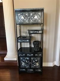 FINE CHINESE ETAGERE