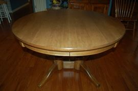 Heywood - Wakefield double pedestal dining room table - leafs removed