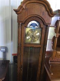 Oak grandmothers clock