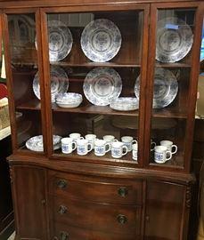 Small Maghogany china cabinet