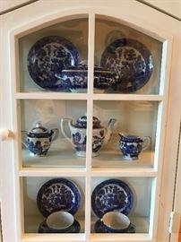 Minuture childs blue willow tea set