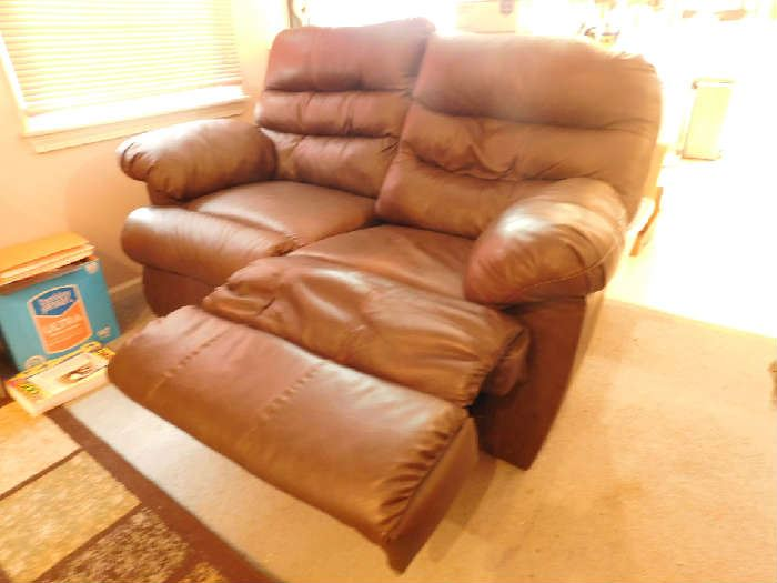 leather reclining love seat