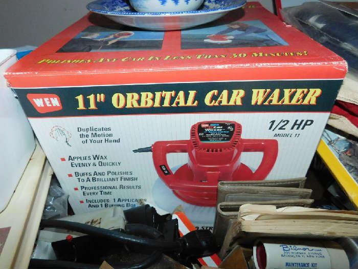 car waxer