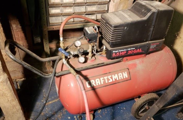 Craftsman presents the 5.5 horse power 30 gallon single cylinder oil free air compressor. This item has been powered on in appears to be in good working order.