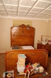 Nice Antique Oak High Back Bed
