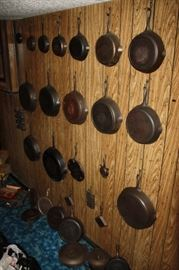 Large collection of Griswold Cast Iron....individual pictures at end of sale pictures.