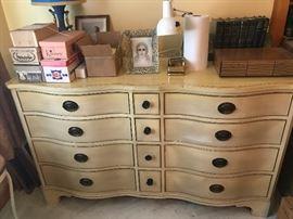 Kindel dresser with mirror