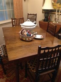 Antique breakfast table with 6 chairs