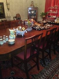 Exceptional dining table & 8 chairs