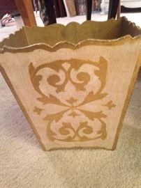 Florentine waste basket