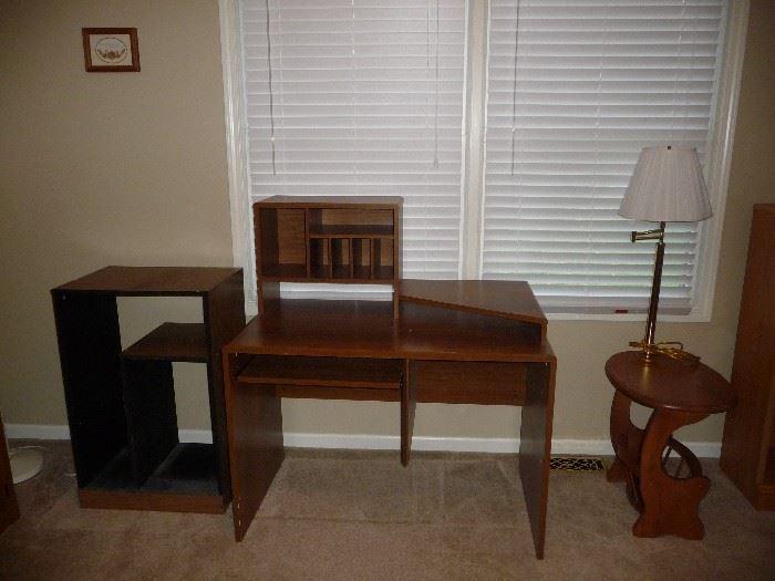 desk / lamptable