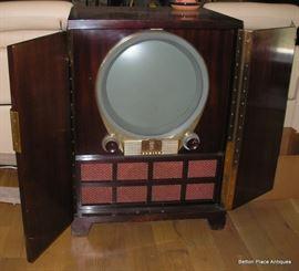 1951 Zenith H2445R Radio in Cabinet.