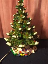 011 Ceramic Christmas Tree