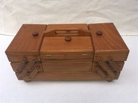 VINTAGE ACCORDION STYLE SEWING BOX