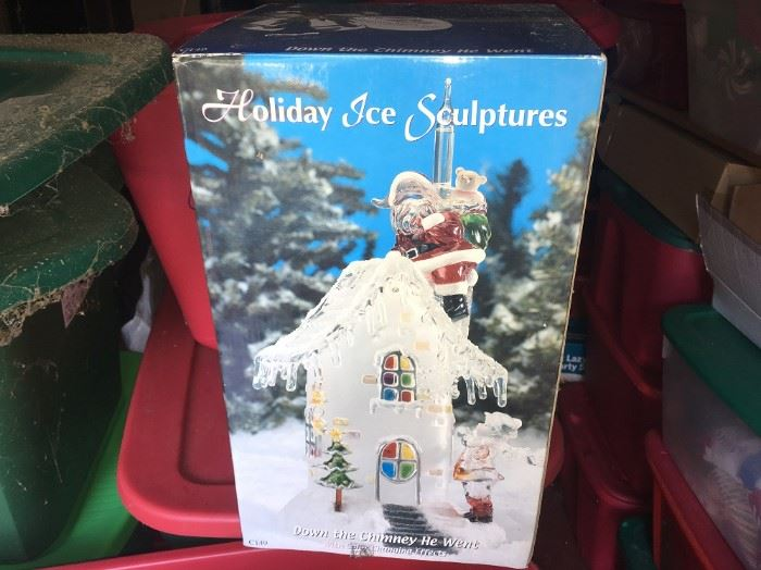 HOLIDAY ICE SCULPTURE