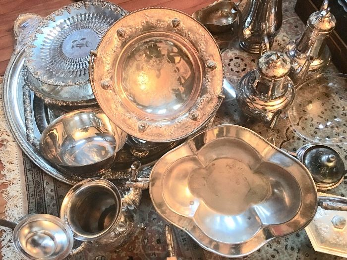 An enormous amount of fine English silverplate pieces from the Victorian and Aesthetic eras