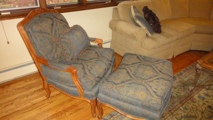 Thomasville Arm chair with Ottoman