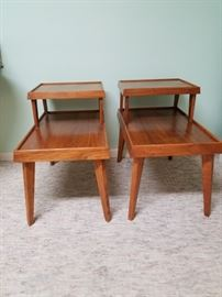 2 Vintage End Tables