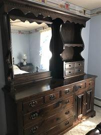 Bedroom Dresser/Hutch