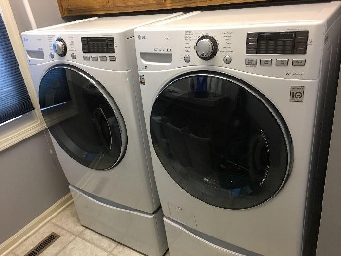 Like New LG Washer Washing Machine & Dryer