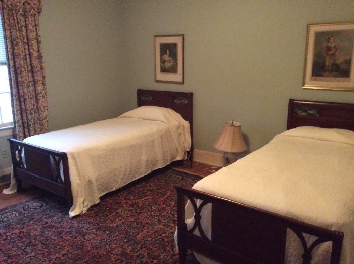 Pair of Duncan Phyfe twin beds