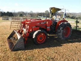 KABOTA Tractor. Its has a bad bearing that needs to be fixed. It does move then stops then moves again. Asking $2,200. You are can make offers!  NOTE: Scoop is a separate item at $300.