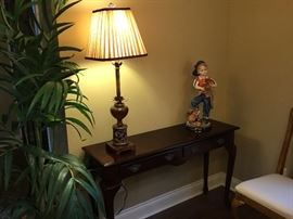 Entry table with lamp & statue
