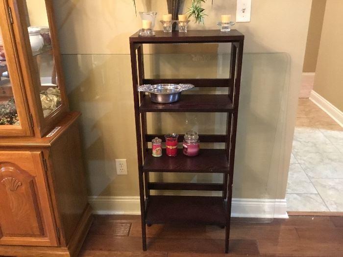 Small shelf unit - folds