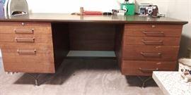 Stow & Davis mid-century 7 drawer desk with amazing metal legs
