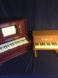 006 Two Toy Pianos for You