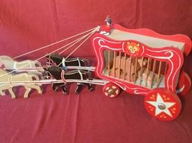 010 Antique Circus Cart with Horses