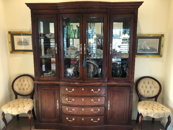 Gorgeous Thomasville Hutch with 4 Drawers and beautiful upper cabinet.