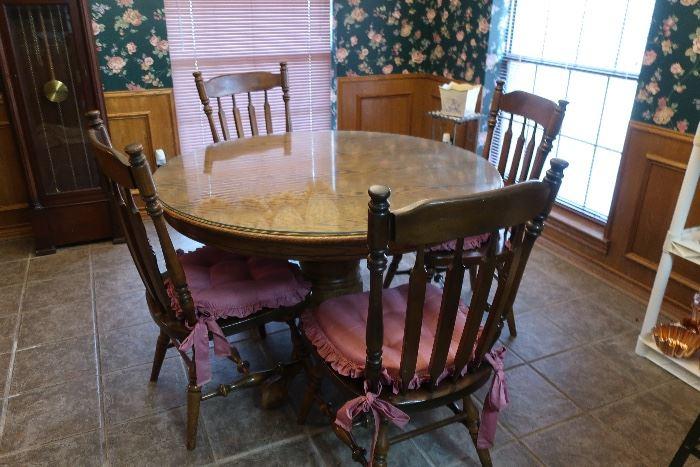 Oak round kitchen table, ethan allen chairs
