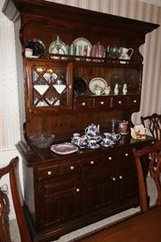 Ethan Allen China hutch