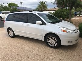 2008 Toyota Sienna XLE  with Harmar Mobility cart lift. Lift can easily be removed Sun City West Estate Vehicle 80,000 miles.  This low mileage for a Toyota. Vehicle has all the bells and whistles. Vin # 5tdzk22c185166573