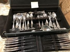 """Wallace, """"Sir Christopher"""" sterling silver flatware set.  weighs 4,906 grams. knives with stainless blades are not included in weight."""