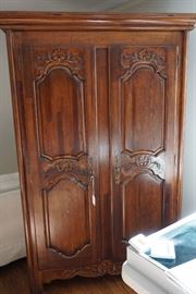 FRENCH PROVINCIAL ARMOIRE/CABINET