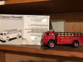 Die cast truck with box