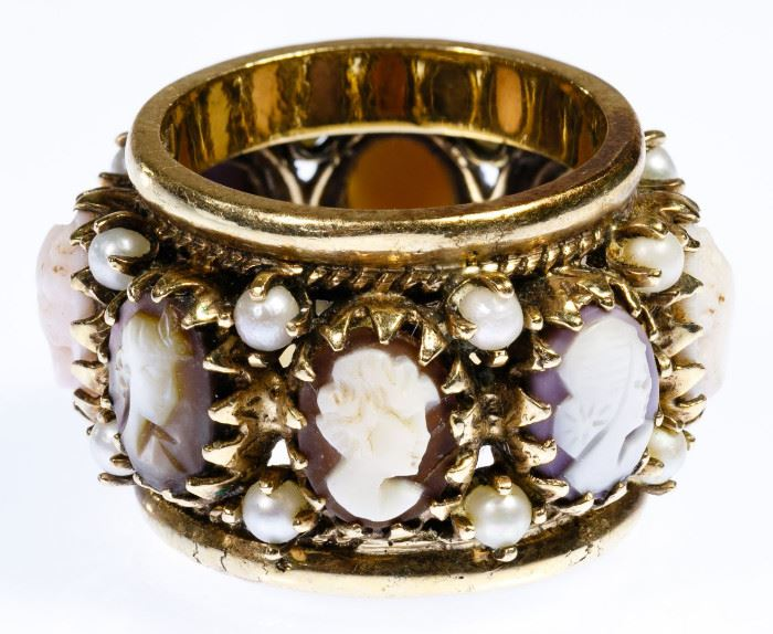 14k Gold Cameo and Pearl Ring