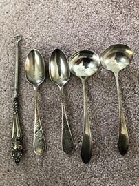 Sterling Silver Pieceshttps://ctbids.com/#!/description/share/63671