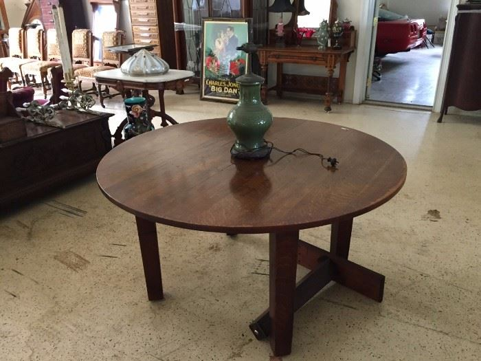 Stickley Round Table with Leaves