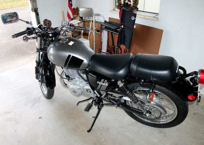 2017 Suzuki TU250X motorcycle - only 108 miles on it - it is practically brand new!!! Great for a fun ride around town. The holidays are fast approaching - what an awesome Christmas gift this would make!
