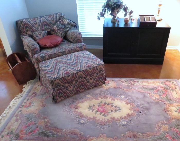 HOUSE IS FULL OF BEAUTIFUL RUGS, SEATING AND HOME DECOR
