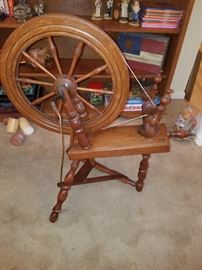 Small Spinning Wheel