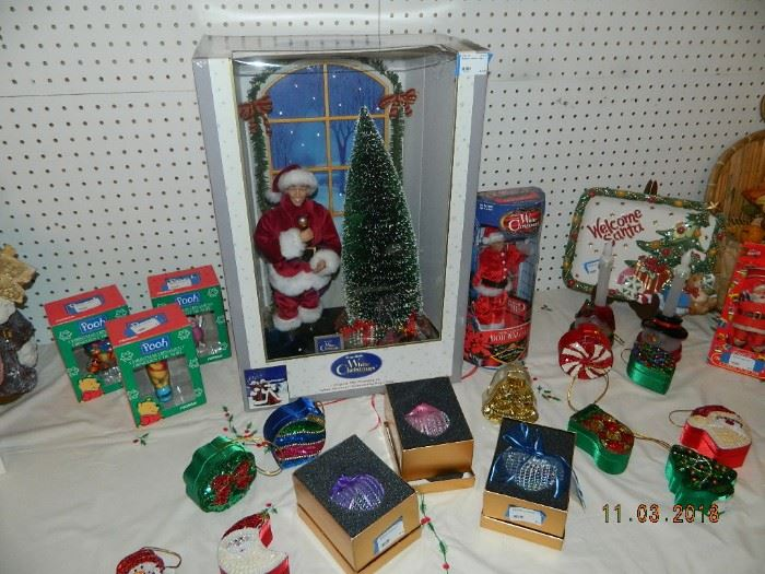 White Christmas figures/ornamnets