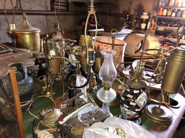 Antique lamps & lighting